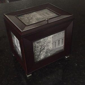 Bombay picture box